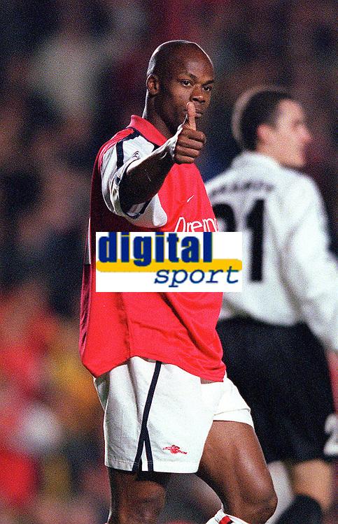 Sylvian Wiltord (Arsenal). Arsenal 3:2 FC Shakhar Donetsk, UEFA Champions League, Group B, 20/9/2000. Credit Colorsport / Stuart MacFarlane..