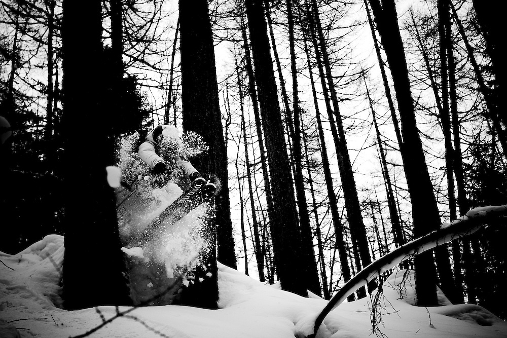 CHAMONIX, France, DAY 3, EVENT: NISSAN OUTDOOR GAMES 2009, RIDER: THOMAS DIET, SPORT SNOW, STYLE: ACTION > wog 09, TEAM: RIDE THE PLANETS