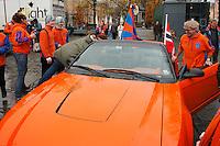 OSLO 20091107: Aalesundsupporterne samlet i Spikersuppa i Oslo lørdag ettermiddag for å varme opp til cupfinalen 2009 mellom Aalesund og Molde.<br /> Foto: Svein Ove Ekornesvåg