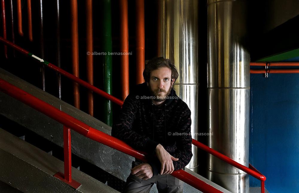 Genova, il ricercatore di fisica Carlo Schiavi, nel dipartimento didi fisica dell'università di Genova