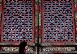 18-10-2007 ALGEMEEN: VOORBEREIDINGEN OLYMPISCHE SPELEN BEIJING 2008: CHINA<br /> De Verboden Stad straatbeeld portret chinees<br /> ©2007-WWW.FOTOHOOGENDOORN.NL