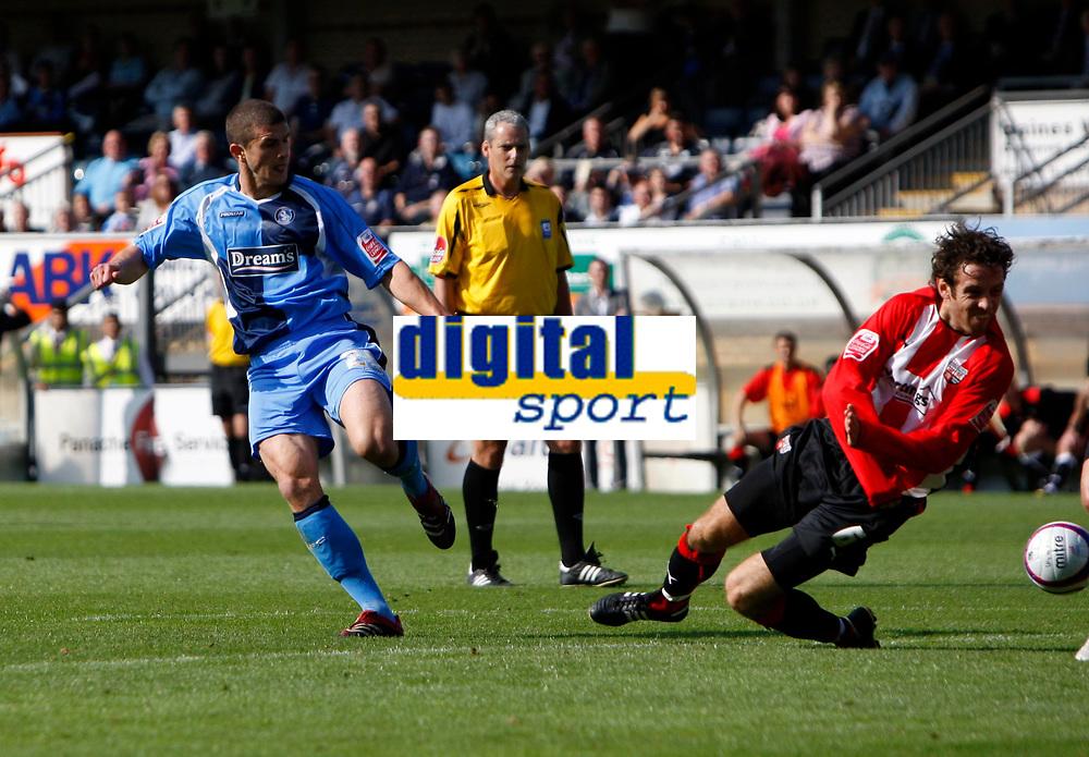 Photo: Richard Lane/Richard Lane Photography. Wycombe Wanderers v Brentford. Coca Cola Fotball League Two. Wycombe's John Mousinho shoots.