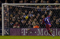 Fotball<br /> England 2004/2005<br /> Foto: SBI/Digitalsport<br /> NORWAY ONLY<br /> <br /> West Bromwich Albion v Crystal Palace<br /> Barclays Premiership. 01/02/2005.<br /> Crystal Palace's Wayne Routledge raises an arm in celebration after Andy Johnson's header gives his team a 1-0 lead.