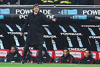 """Milan coach LEONARDO<br /> Allenatore<br /> Milano 6/1/2010 Stadio """"Giuseppe Meazza""""<br /> Milan - Genoa 5-2<br /> Campionato Italiano Serie A 2009/2010<br /> Foto Andrea Staccioli Insidefoto"""