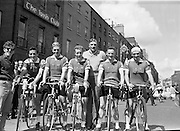 05/08/1962<br /> 08/05/1962<br /> 05 August 1962 <br /> Start of An Rás Tailtean from the G.P.O. Dublin. The Cork Team taking part  with their Team Manager Mick O'Mahony (centre) (l-r): K. O'Brien; M. Twomey; R. Shaw; P. Reidy and J. O'Mahony.