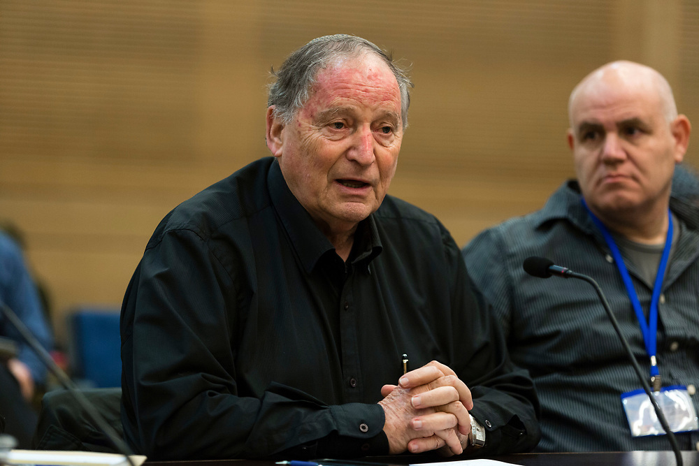 Ran Erez (C), chairman of the Secondary-School Teachers Association attends a session of the Education, Culture and Sport Committee at the Knesset, Israel's parliament in Jerusalem, on January 14, 2015.