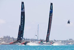June 21, 2017 - Bermudes, USA - The Great Sound, Bermuda, 18th June. Oracle Team USA and Emirates Team New Zealand in pre start for race three on day two of the America's Cup. (Credit Image: © Panoramic via ZUMA Press)