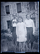 sisters France 1933
