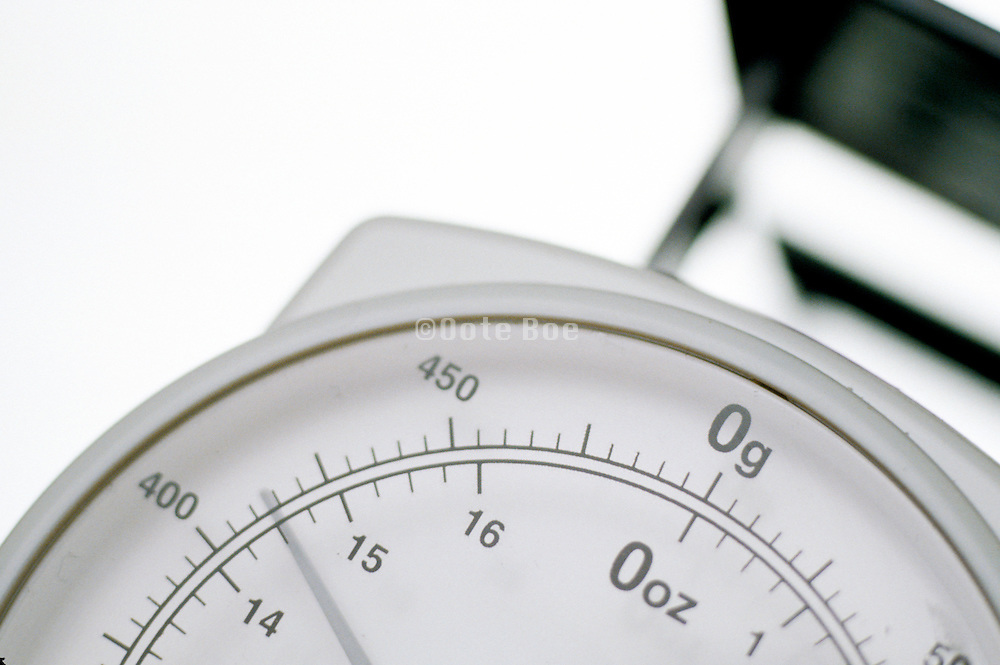 close up of a scale from an kitchen weight