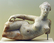 Statuettes women lying (Rear) alabaster, marble clay, fired (Babylon)