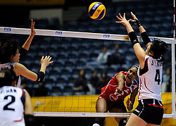 07-11-2010 VOLLEYBAL: WORLD CHAMPIONSHIP: PERU - KOREA: TOKYO<br /> Korea beat Peru with 3-1 / Jessenia Uceda<br /> ©2010-WWW.FOTOHOOGENDOORN.NL