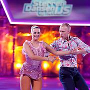 NLD/Hilversum/20130112 - 4e Liveshow Sterren Dansen op het IJs 2013, Gaby Blaaser en shaatspartner Benoit Richaud