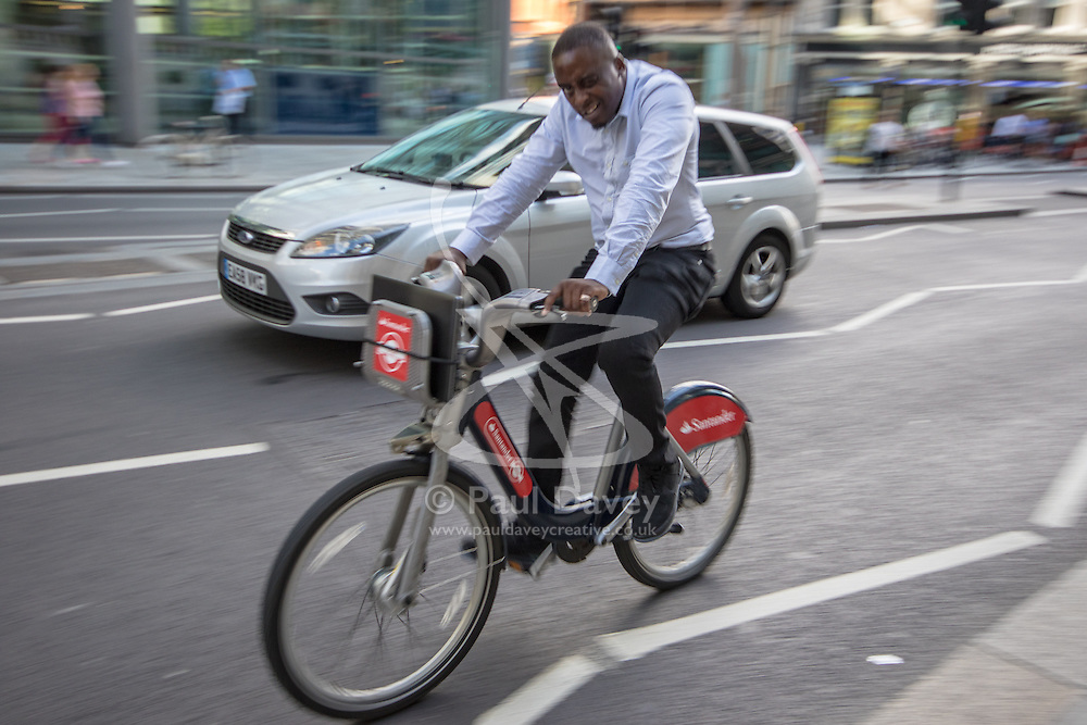 """London, August 21st 2015. London's ubiquitous """"Boris Bikes"""" have proven popular with tourists and Londoners alike, with both regular users and those new to the scheme will be able to ride Boris Bikes without charge on August 22 and 23, as part of Transport For London's initiative to encourage further adoption of the scheme by users ahead of expansion plans to roll out a further 1,000 docking stations."""