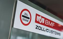 THEMENBILD - BMF, Zoll Hinweis am Flughafen, aufgenommen am 15. August 2018 in Graz, Oesterreich // Customs / Douane notice, Airport Graz, Austria on 2018/08/15. EXPA Pictures © 2018, PhotoCredit: EXPA/ JFK