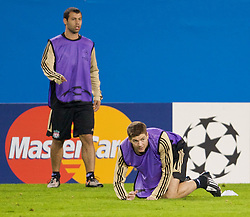 MADRID, SPAIN - Tuesday, October 21, 2008: Liverpool's goalkeeper Pepe Reina and Javier Mascherano during training at the Vicente Calderon ahead of the UEFA Champions League Group D match against Club Atletico de Madrid. (Photo by David Rawcliffe/Propaganda)