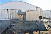 Nederland, the Netherlands, Nijmegen, 12-10-2015Kamp, tentenkamp Heumensoord, de tijdelijke noodopvang, azc, van het COA. Nu verblijven er een kleine 1000 mensen. In totaal komt er plaats voor 3000 asielzoekers. Op de foto een verwarmingsinstallatie die een tent verwarmt. Hij wordt gestookt met olie.Op het terrein wordt nog volop gewerkt aan de tweede en derde fase voor de resterende 2000 mensen, en de infrastructuur voor elektra, afvoer en water.FOTO: FLIP FRANSSEN