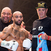 NLD/Amsterdam/20151204 - Freefightgala Glory26, trainer Mike Passchenier en winnaar Perviz Abdullayev