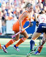 AMSTERDAM - Hockey -  Kitty van Male (Neth) .   Interland tussen de vrouwen van Nederland en Groot-Brittannië, in de Rabo Super Serie 2016 .  COPYRIGHT KOEN SUYK