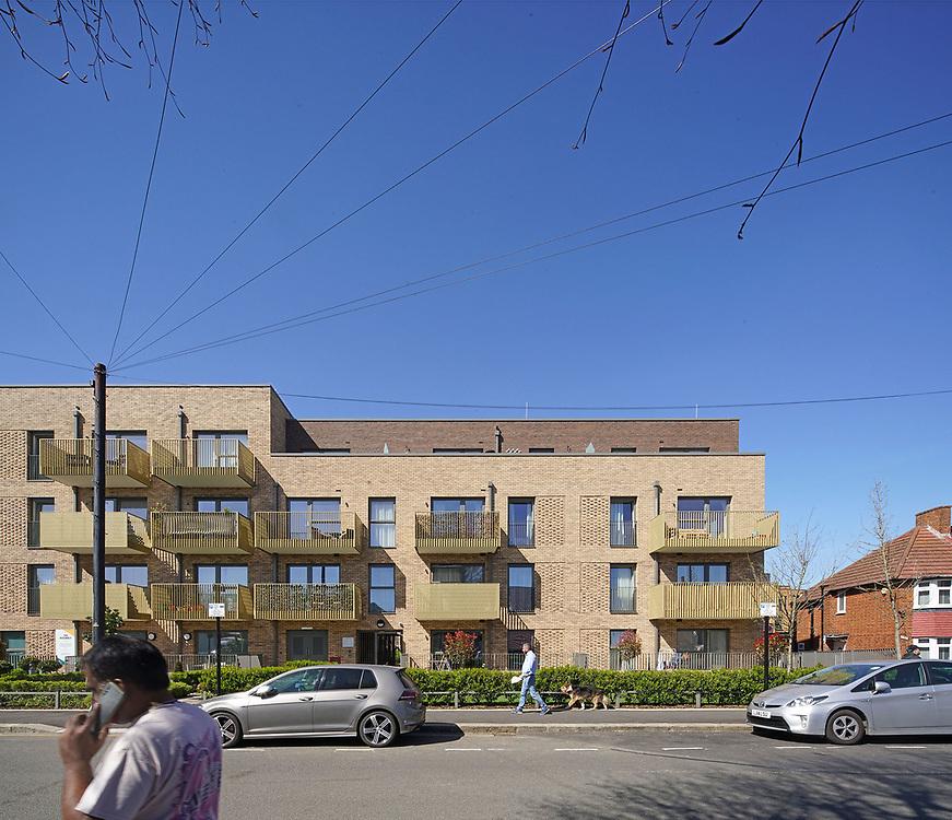 BPTW Architects; Hounslow School