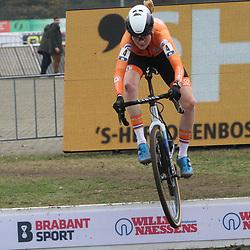 08-11-2020: Wielrennen: EK Veldrijden: Rosmalen: Puck Pieterse