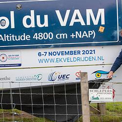 10-05-2021: Wielrennen: persmoment EK veldrijden: Wijster<br />Op de VAMberg zal in november het EK veldrijden worden verreden. KNWU directeur Thorwald Veneberg, UEC bestuurder Alesdair MacLennan en gedeputeerde Henk Brink