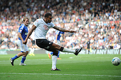 Derby County's Cyrus Christie takes a shot at goal. - Photo mandatory by-line: Dougie Allward/JMP - Mobile: 07966 386802 30/08/2014 - SPORT - FOOTBALL - Derby - iPro Stadium - Derby County v Ipswich Town - Sky Bet Championship