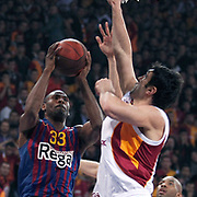 FC Barcelona Regal's Pete MICKEAL (L) during their Euroleague group D matchday 5 Galatasaray between  FC Barcelona Regal at the Abdi Ipekci Arena in Istanbul at Turkey on Thursday, November 17 2011. Photo by TURKPIX