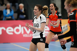 20180331 NED: Eredivisie Sliedrecht Sport - Regio Zwolle, Sliedrecht <br />Rosita Blomenkamp (13) of Regio Zwolle, Kim Robitaille (9) of Regio Zwolle  <br />©2018-FotoHoogendoorn.nl / Pim Waslander