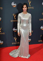 Padma Lakshmi bei der Verleihung der 68. Primetime Emmy Awards in Los Angeles / 180916<br /> <br /> *** 68th Primetime Emmy Awards in Los Angeles, California on September 18th, 2016***