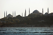 Turkije, Istanbul, 4-6-2011De blauwe moskee, en de Agia Sofia in sultan ahmet.Foto: Flip Franssen
