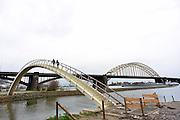 Nederland, Nijmegen, 14-2-2014Sinds kort ligt er langs de Waal een bruggetje, voetgangersbrug, die het centrum van de stad verbindt met de stadswaard in de Ooijpolder. De brug heet Ooijpoort.Hiermee is een aantrekkelijke wandelroute gemaakt.Foto: Flip Franssen/Hollandse Hoogte