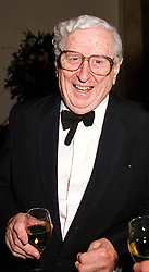 Former Republic of Ireland Prime Minister DR GARRET FITZGERALD,  at a dinner in London on 29th February 2000.OBS 14