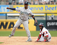 CHICAGO - JULY 16:  Juan Segura #2 of the Seattle Mariners fields against the Chicago White Sox on July 16, 2017 at Guaranteed Rate Field in Chicago, Illinois.  (Photo by Ron Vesely/MLB Photos via Getty Images)  *** Local Caption *** Juan Segura