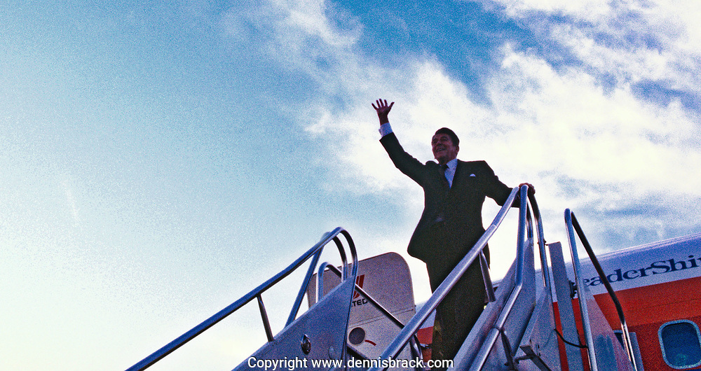 Candidate Ronald Reagan waves from the Reagan campaign plane in Octobere 1980<br />Photo by Dennis Brack bb71