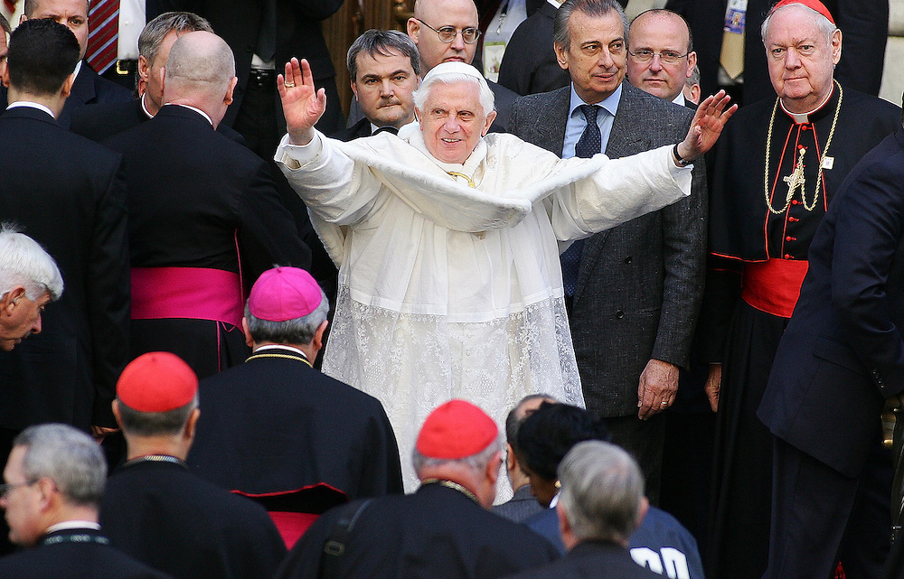 (041908  New York, NY)   Pope Benedict XVI arrives at St. Patrick's Cathedral Saturday morning.