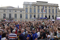 July 20, 2018 - Macon, France - LES SUPPORTERS POUR ANTOINE GRIEZMANN  A MACON .APRES SON TITRE DE CHAMPION DU MONDE (Credit Image: © Panoramic via ZUMA Press)