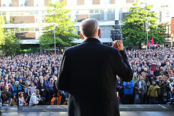 © Licensed to London News Pictures. 19/08/2016. Sheffield, UK. Jeremy Corbyn speaks at a campaign rally in Sheffield, South Yorkshire, during the 2016 Labour leadership election. Photo credit : Ian Hinchliffe/LNP