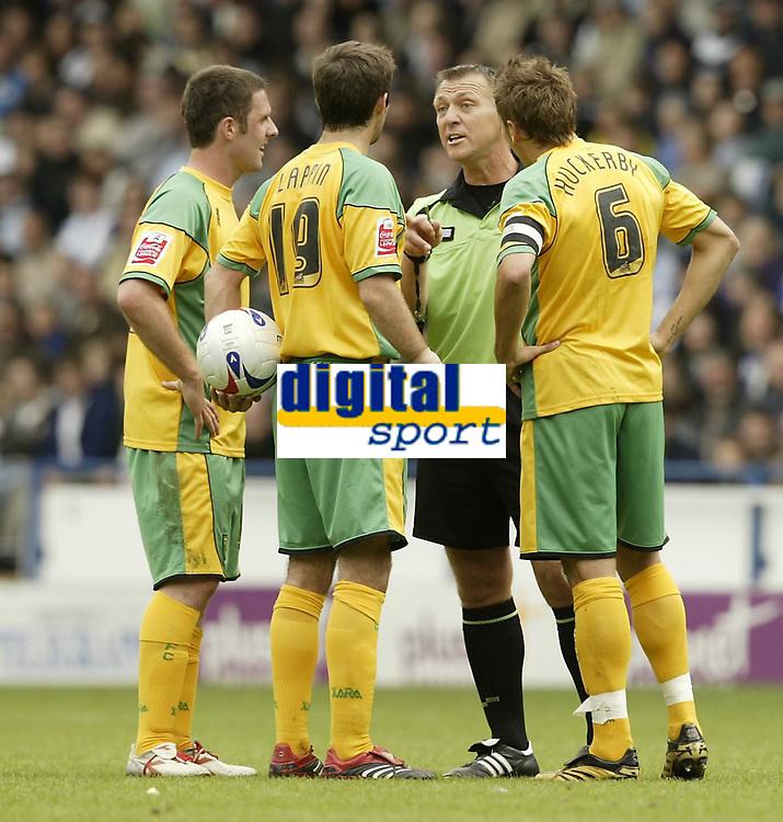 Photo: Aidan Ellis.<br /> Sheffield Wednesday v Norwich City. Coca Cola Championship. 06/05/2007.<br /> Referee Clive Penton warns Norwich's Simon Lappin
