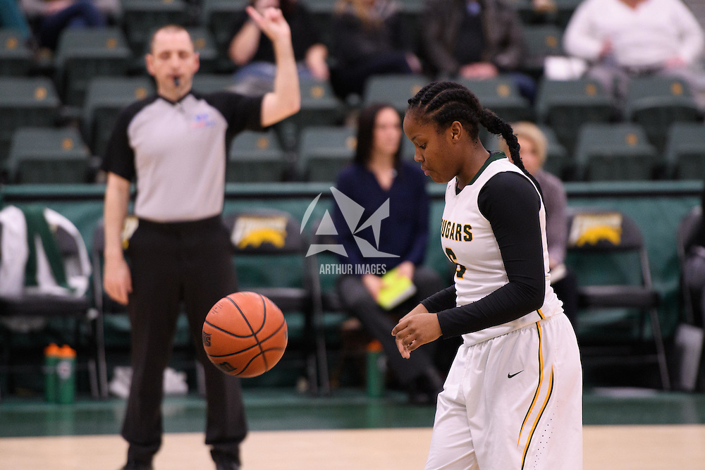 1st year guard Kyia Giles (6) of the Regina Cougars in action during the home game on December  2 at Centre for Kinesiology, Health and Sport. Credit: Arthur Ward/Arthur Images