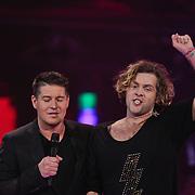 NLD/Hilversum/20120120 - Finale the Voice of Holland 2012, Paul Turner en Martijn Krabbe