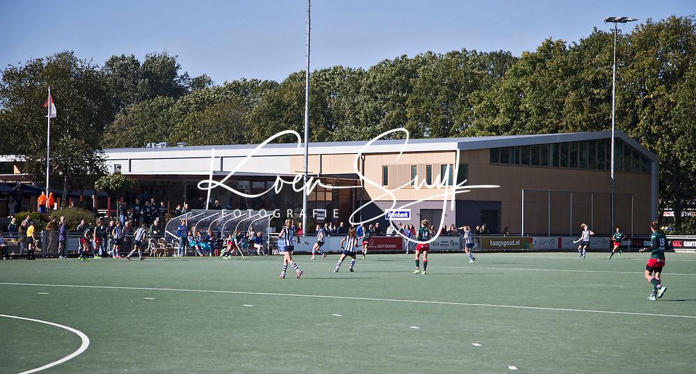 DEN HAAG - Clubhuis met Sporthal van HDM   tijdens de hoofdklasse hockey competitie wedstrijd tussen de dames van HDM en MOP (1-1). COPYRIGHT KOEN SUYK