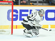 Thursday Jan 21, 2019 Nashville, TN Los Angeles Kings goaltender Jonathan Quick (32) makes a save during a game between the Los Angeles Kings and Nashville Predators Bridgestone Arena in Nashville, TN Mickey Bernal