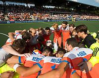 AMSTELVEEN -   Huddle Nederland  voor de finale Belgie-Nederland (2-4) bij de Rabo EuroHockey Championships 2017.   COPYRIGHT KOEN SUYK