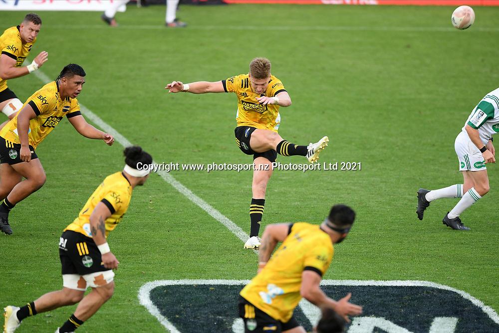 Hurricanes Jordie Barrett kicks off in the Super Rugby match, Hurricanes v Crusaders, Sky Stadium, Wellington, Sunday, April 11, 2021. Copyright photo: Kerry Marshall / www.photosport.nz