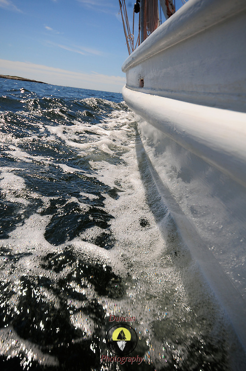 8/27/09 -- sailing aboard Eastward. Photo by Roger S. Duncan © 2009.