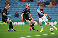 Burnley midfielder Johann Gudmundsson (7) during the The FA Cup 3rd round match between Burnley and Barnsley at Turf Moor, Burnley, England on 5 January 2019.