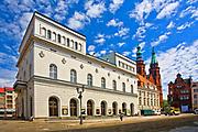 Neorenesansowy budynek teatru im. H. Modrzejewskiej w Legnicy, Polska <br /> Neorenaissance building of the H. Modjeska Theatre in Legnica, Poland