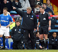 Photo. Chris Ratcliffe<br /> Crystal Palace v Birmingham City. Barclays Premiership. 26/02/2005<br /> Steve Bruce has a conversation with the referee P Dowy