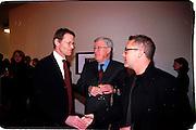 Nicholas Serota, Frank Dunphy and Damien Hirst. Product: Richard Hamilton private view, Gagosian Gallery. London. 13 January 2003.  © Copyright Photograph by Dafydd Jones 66 Stockwell Park Rd. London SW9 0DA Tel 020 7733 0108 www.dafjones.com