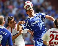 v.l. Tomas Galasek , Kevin Kuranyi Schalke<br /> Bundesliga FC Schalke 04 - 1. FC Nuernberg<br /> Nürnberg<br /> <br /> Norway only